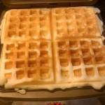 Calphalon HE400WM No Peek Belgian Waffle Maker (1)